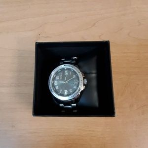 Men's Silver FMD Wristwatch With a Silver Band New